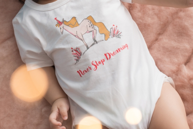 baby-girl-onesie-never-stop-dreaming-white-1